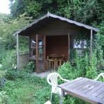 ハーブや草花に囲まれたログハウス。 セミナールーム、喫茶室として使っています。
