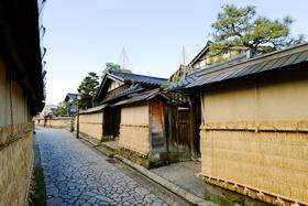 ▲ディーズから徒歩数分ほどのところにある長町武家屋敷跡。(写真提供:金沢市)