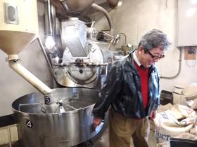 ▲焙煎工場とお店が一体化している。