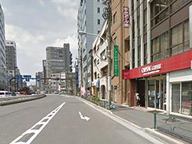 ▲白山通りと不忍通りの交差点付近にあるキャピタル本社。ビルが建ち並び、いかにもオフィス街のように見えますが・・・?